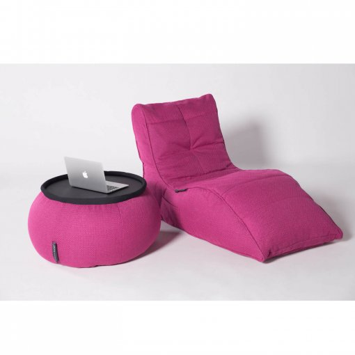 Versa table in Sakura Pink next to Avatar Lounger